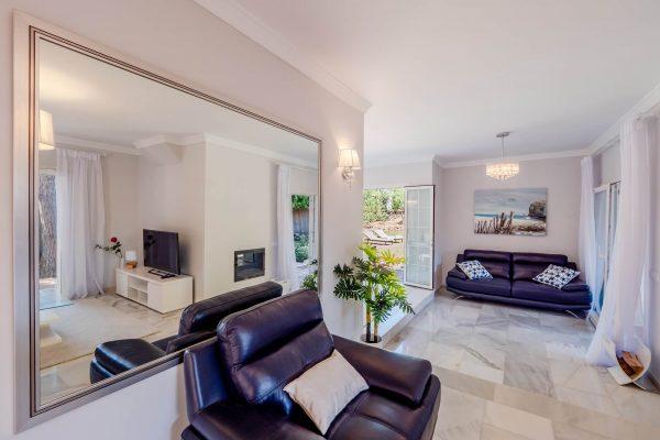"""Дизайн интерьера дом в Марбелье, Коста дель Соль сделан нашей студией интерьерного дизайна """"Tania Marbella Interior Design"""". Стиль интерьера: современный."""